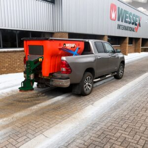 Grit Spreaders & Salt Spreaders - PolarOne